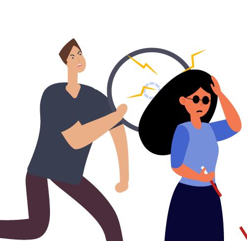 hombre golpeando con llanta a mujer