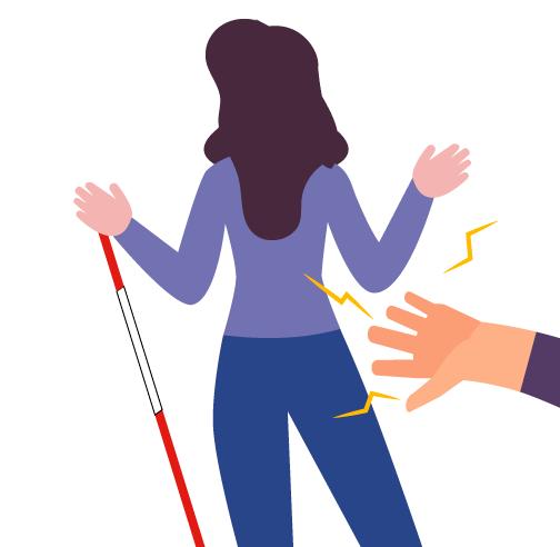 mujer en la calle con baston siendo tocada